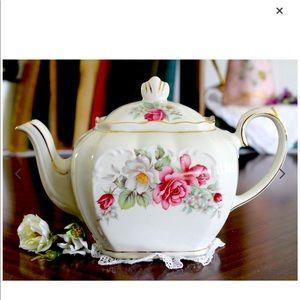 Vintage Sadler Windsor Cube Teapot